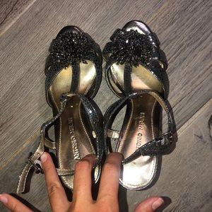 Antonio Melani gray metallic heels